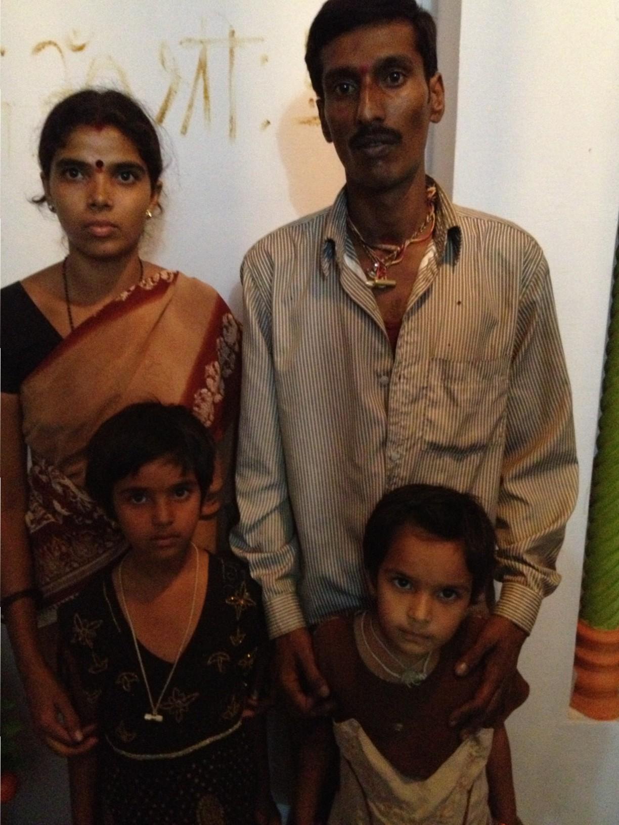 Familia de priyanka y Pavitra